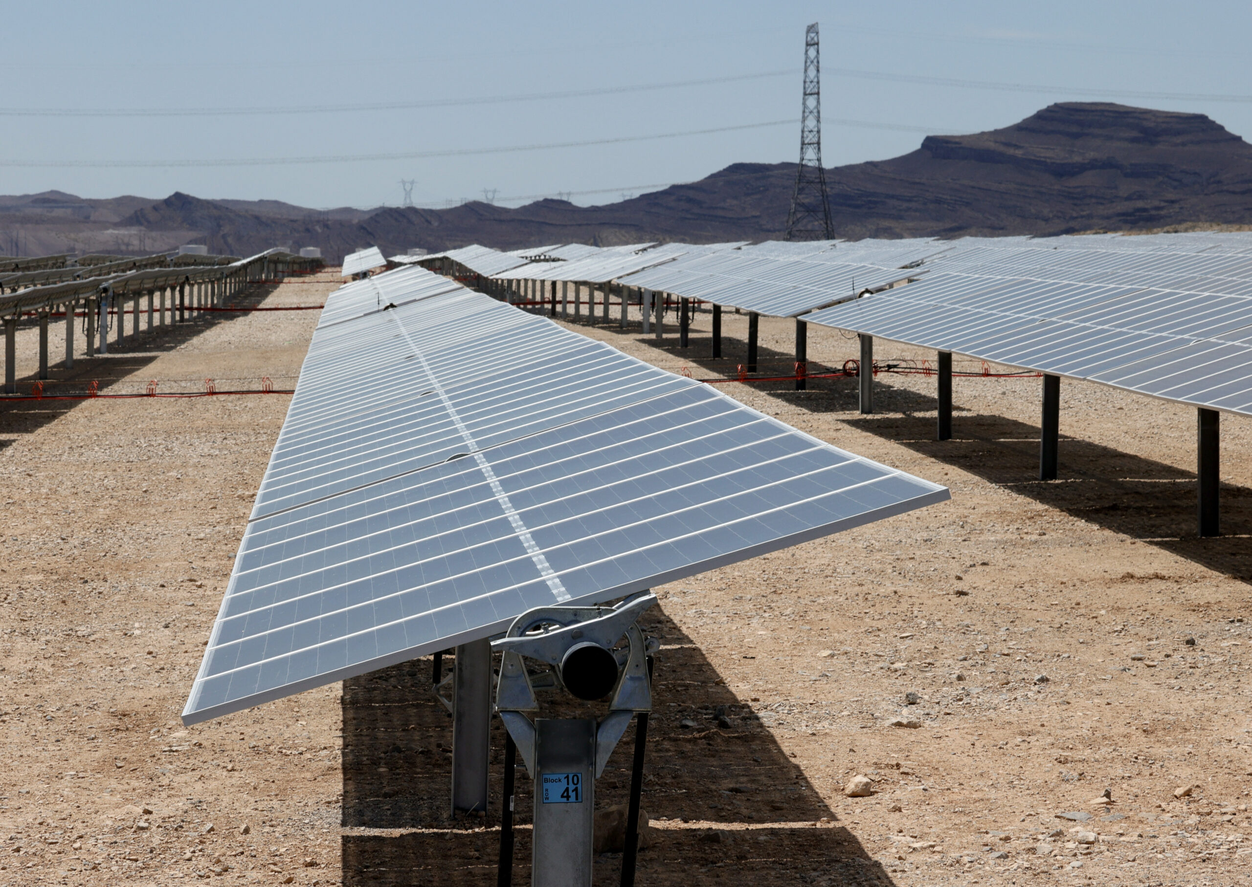 Biden Pushes To Have Solar Energy Provide 45% Of U.S. Electricity By 2050 - News & Guts Media